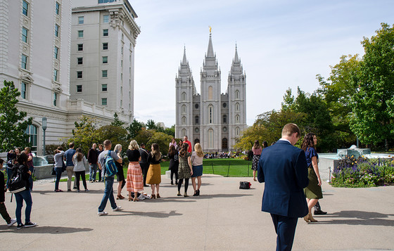 Mormons and White Evangelicals Are Divided Over Trump